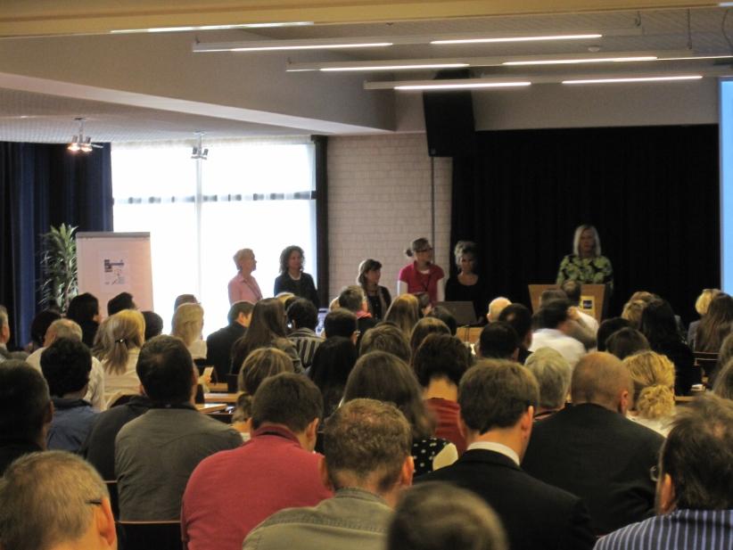 Conference-10-01-gr-presentation02.jpg