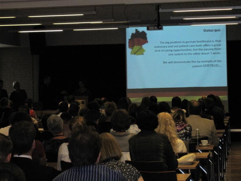 Conference-12-01-de-presentation03.jpg